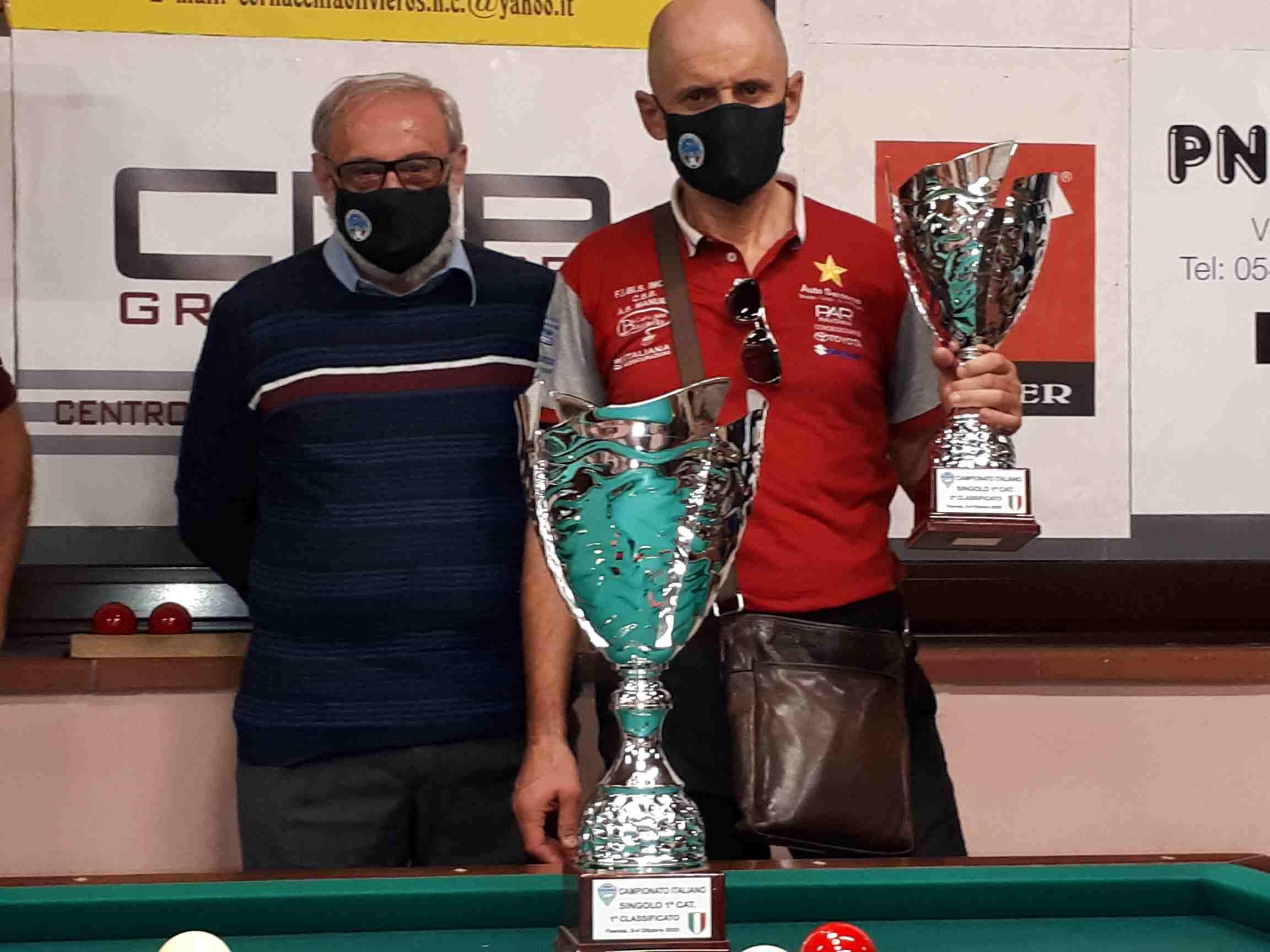Carlo Sandrini (2° class.) premiato da Mario