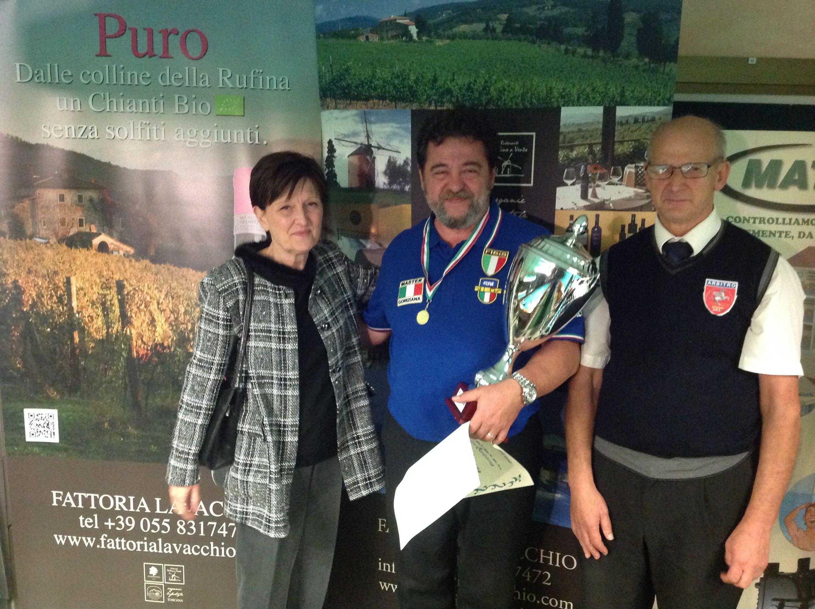 Il vincitore Merloni Marco con la Sig. Falchetti e l'arbitro