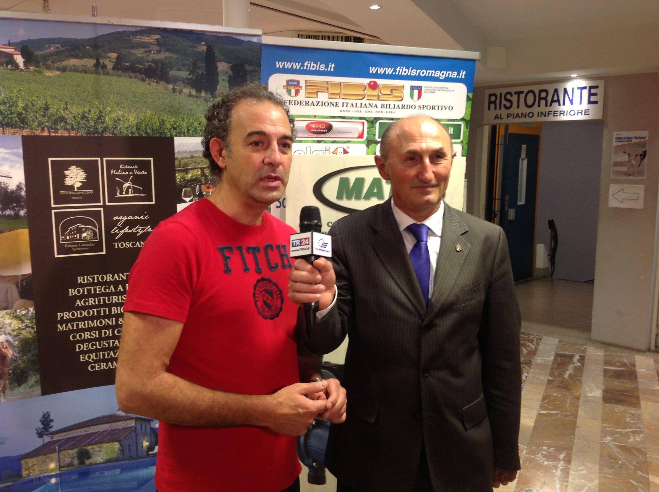 Giannoni Stefano titolare del CSB Biliardoteca Vie Nuove con il Consigliere Federale L. De Cesari